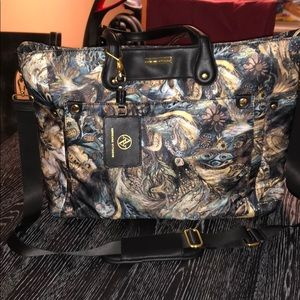 Adrienne Vittadini large tote carryall as new.